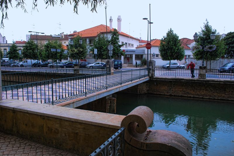 Mouchão bridge and the street Rua Marquês de Tomar