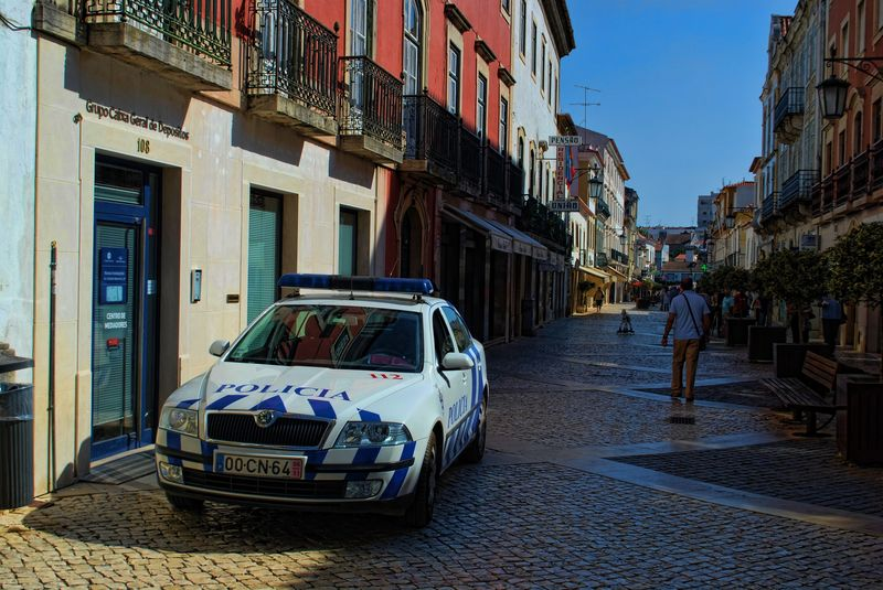 Police car at Rua Serpa Pinto in the City of Tomar