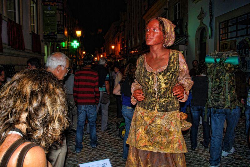 Human Statue of Inês Pereira in the City of Tomar in Portugal