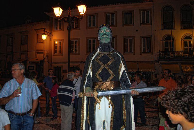Human Statues in Tomar: Gualdim Pais