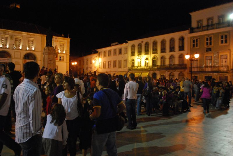 People arriving at the Festival of Human Statues at Praça da República in the City of Tomar