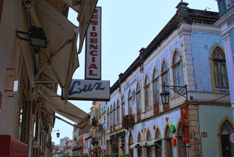 Residencial Luz, an inn at Rua Serpa Pinto in the City of Tomar in Portugal