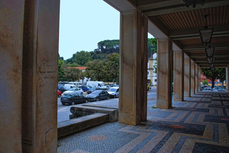 Cobblestone design at the Tribunal of the City of Tomar in Portugal