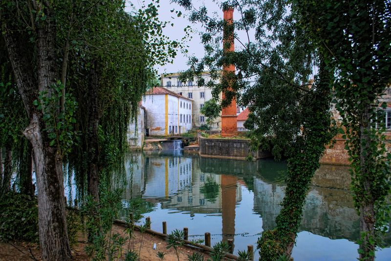 Old buildings at Nabão River in the City of Tomar