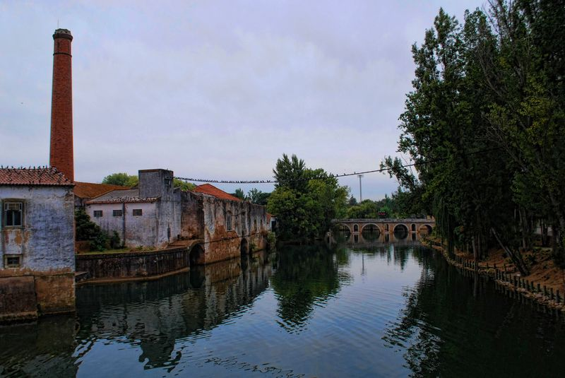 Rio Nabão and the bridge Dom Manuel I, in the City of Tomar