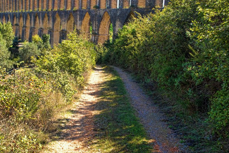 Dirt road at the Aqueduct of Pegões near the City of Tomar in Portugal