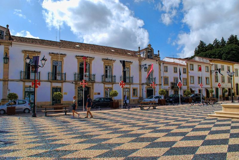 Cobblestone paved Praça da República in the City of Tomar