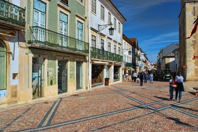 Cobblestone design at Praça da República in Tomar
