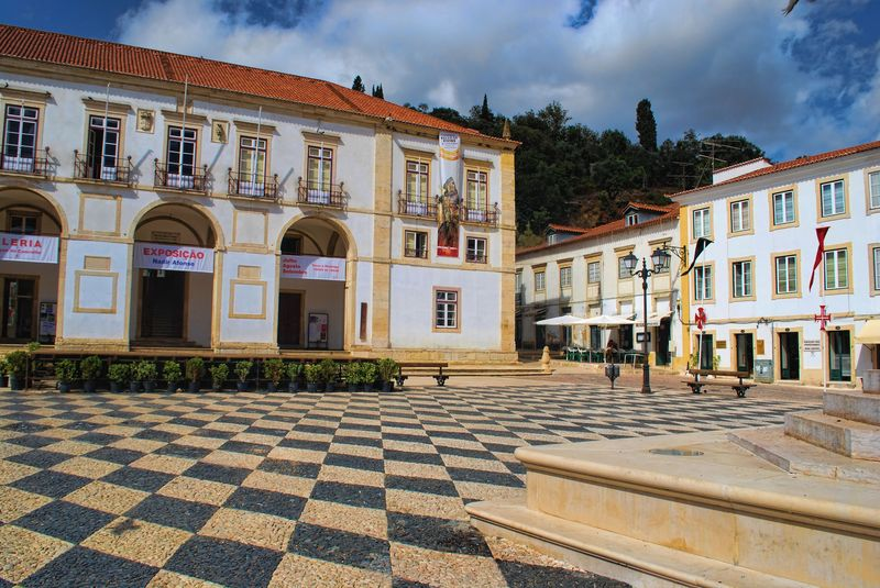 Praça da República covered with cobblestones