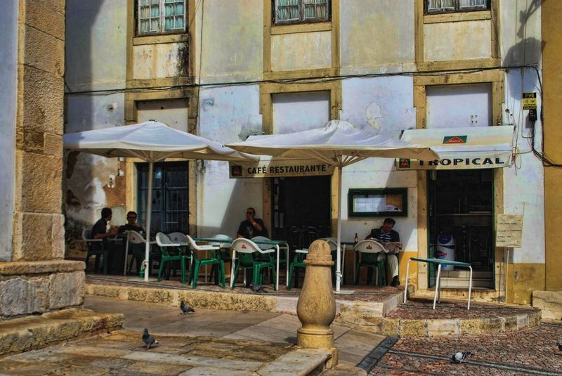 Restaurante Tropical at Praça da República in the City of Tomar