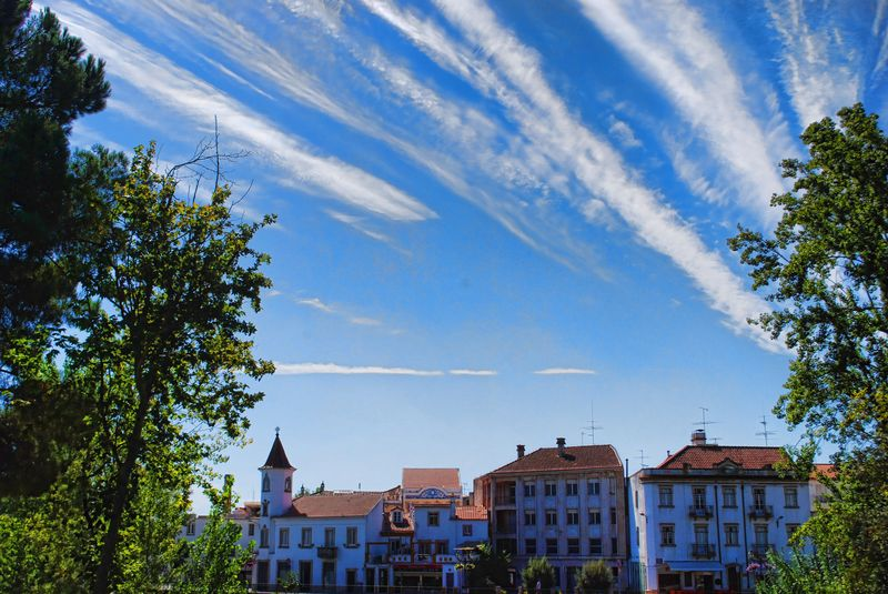 Chemtrails at the City of Tomar, Portugal