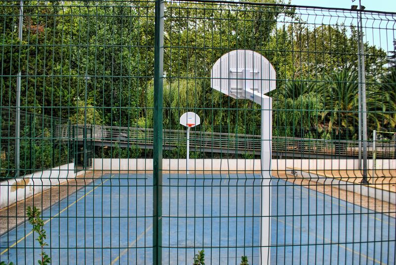 Basketball court at Mouchão Park in Tomar