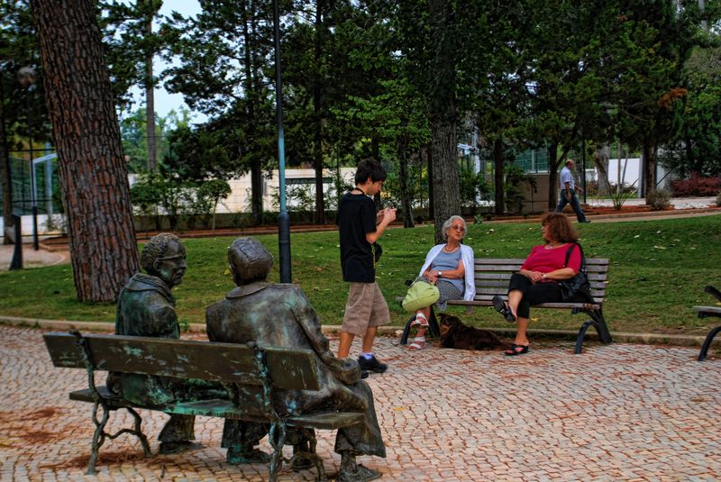 Statues of Fernando Lopes Graça and Nini Ferreira at Mouchão Park in the City of Tomar