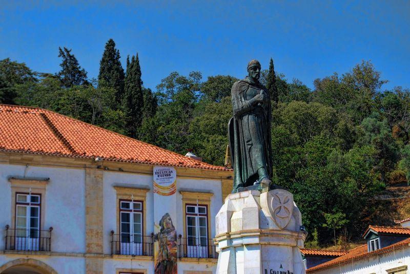 Gualdim Pais statue in Tomar, Portugal