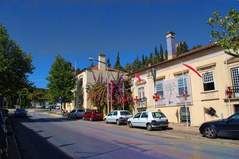 Avenida Cândido Madureira close to Casa do Tectos in the City of Tomar in Portugal