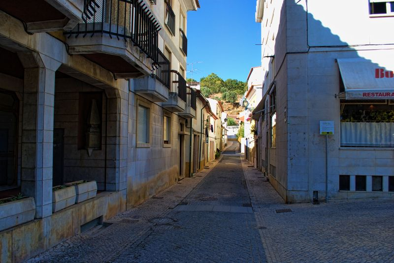 Rua do Camarão in the City of Tomar, if translated into english would be called Shrimp Street.