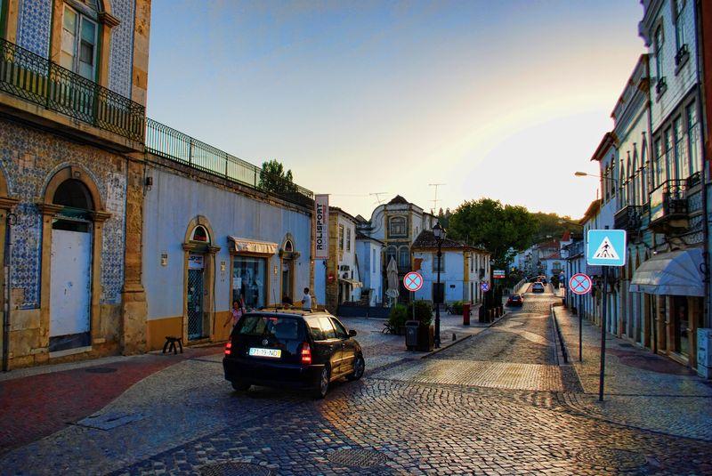 Rua Marquês de Pombal around Tomar old bridge