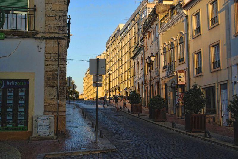 Rua Marquês de Pombal in Tomar, around Alameda Primeiro de Março