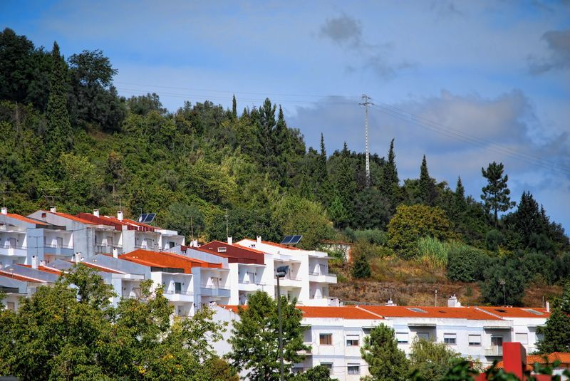 Estrada do Prado suburb surrounded by the hills of the City of Tomar