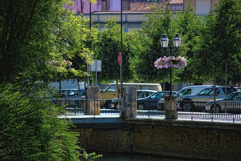 Photo from Varzea Pequena in the City of Tomar of the bridge and cars