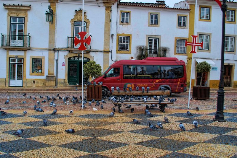 Tuto Tomar bus at Republica Square in the City of Tomar