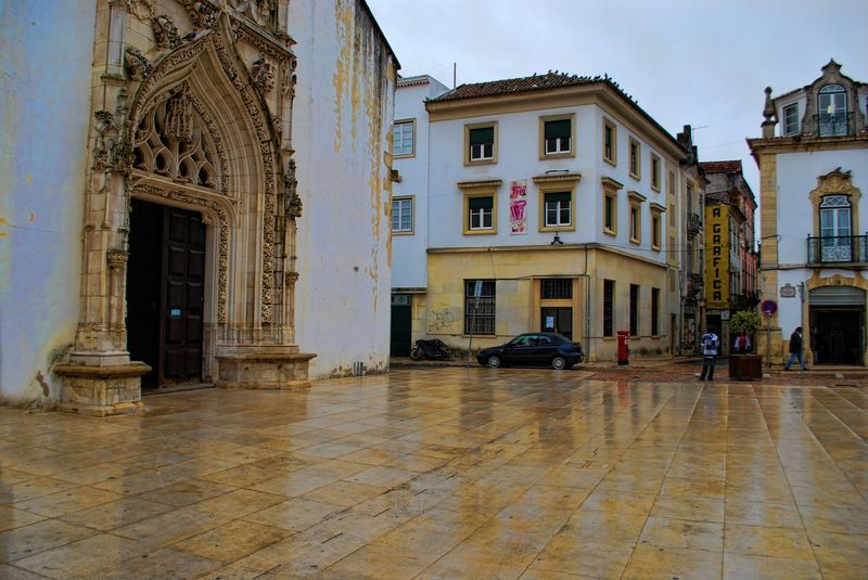 Wet day at the Church of São João Baptista in the City of Tomar