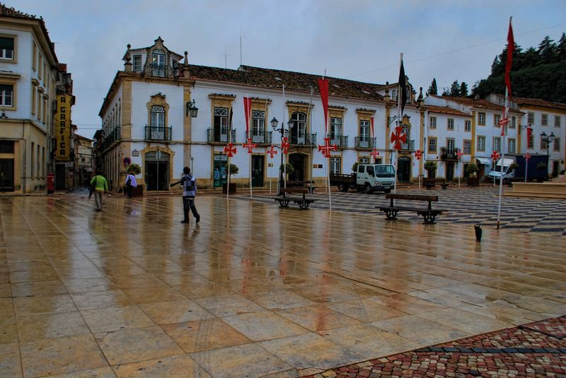 Wet day at Praça da República in the City of Tomar in Portugal