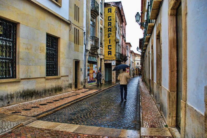 Wet day at Rua Infantaria Quinze in the City of Tomar in Portugal